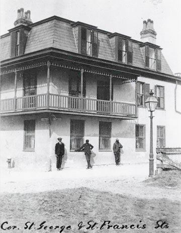 The Inn building photographed in 1902