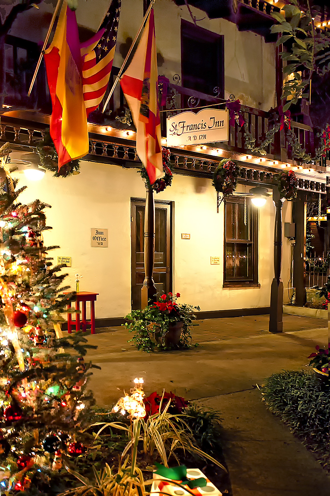 A warm holiday welcome at St. Francis Inn