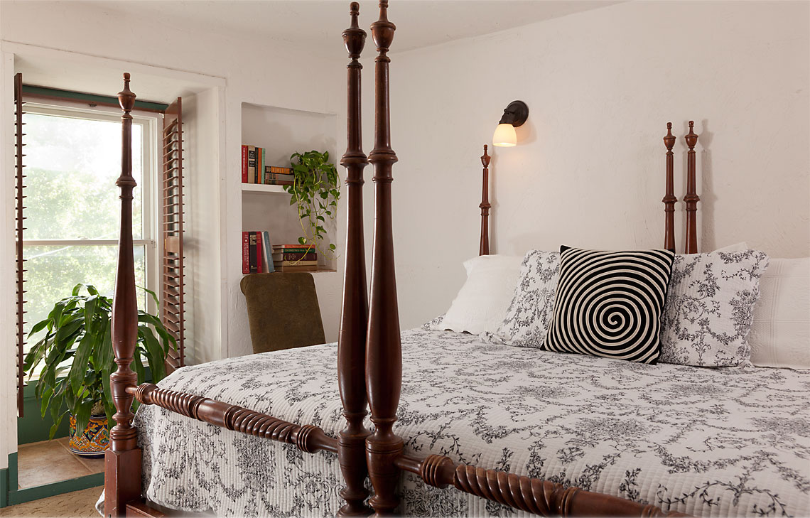 Garcia Suite bedroom