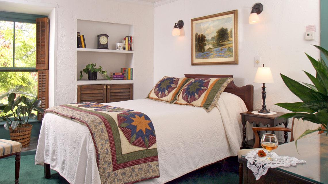 Graham Room bed