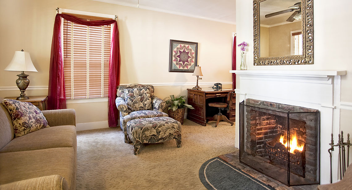 Saffron's Suite fireplaced living room