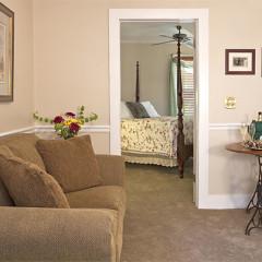 Saffron's Suite Sitting Area