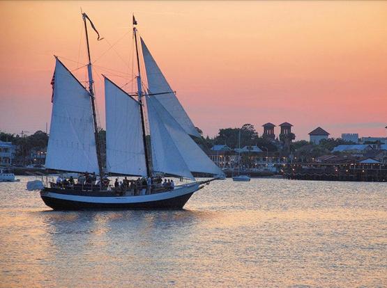 Schooner Freedom sailing at sunset in Matanzas Bay